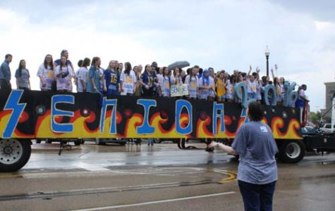 Homecoming Parade & Community Pep Rally – 10.8.15