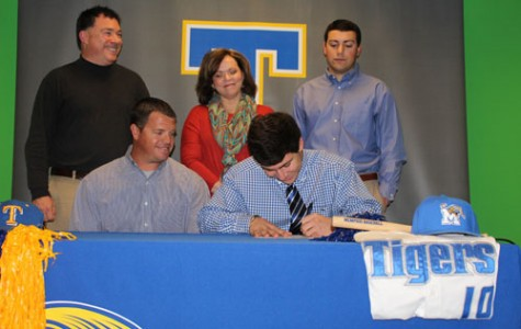 Jason Garret Signs with University of Memphis Tigers Baseball