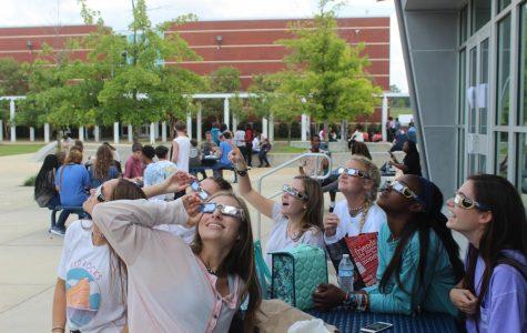 The eclipse takes Tupelo