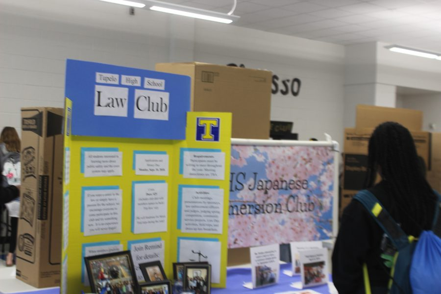 The+Law+and+Japanese+Emersion+Club+at+Tupelo+High+School.