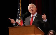 U.S. Senator Roger Wicker Speaks at THS Veterans Day Program