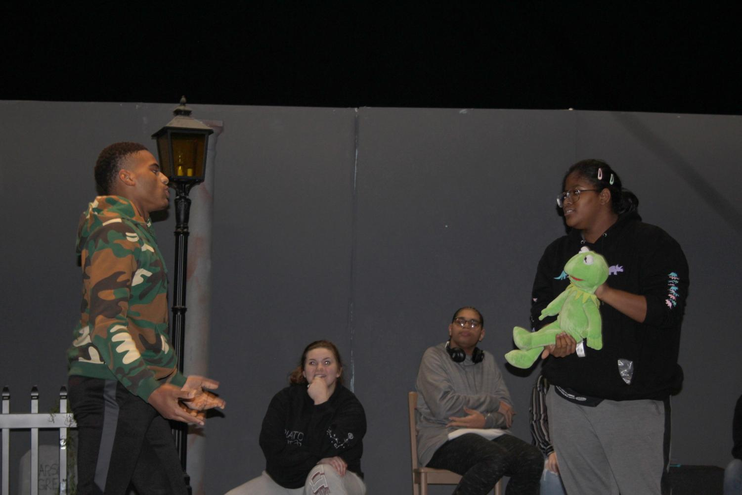 Kermit stops in to play a game of 'Stop!' with Zion Sims and Jeremiah Smith