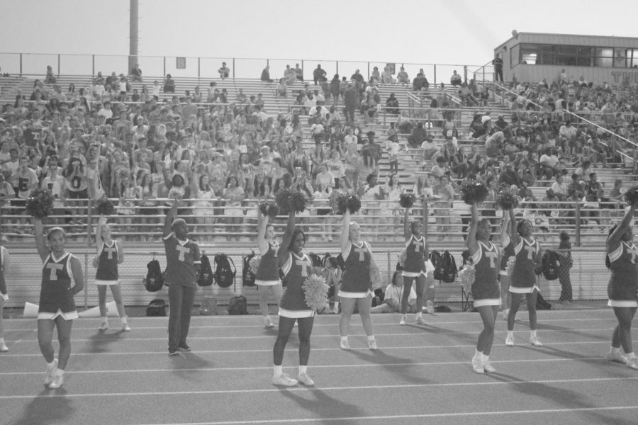 cheerleads and amazing student section