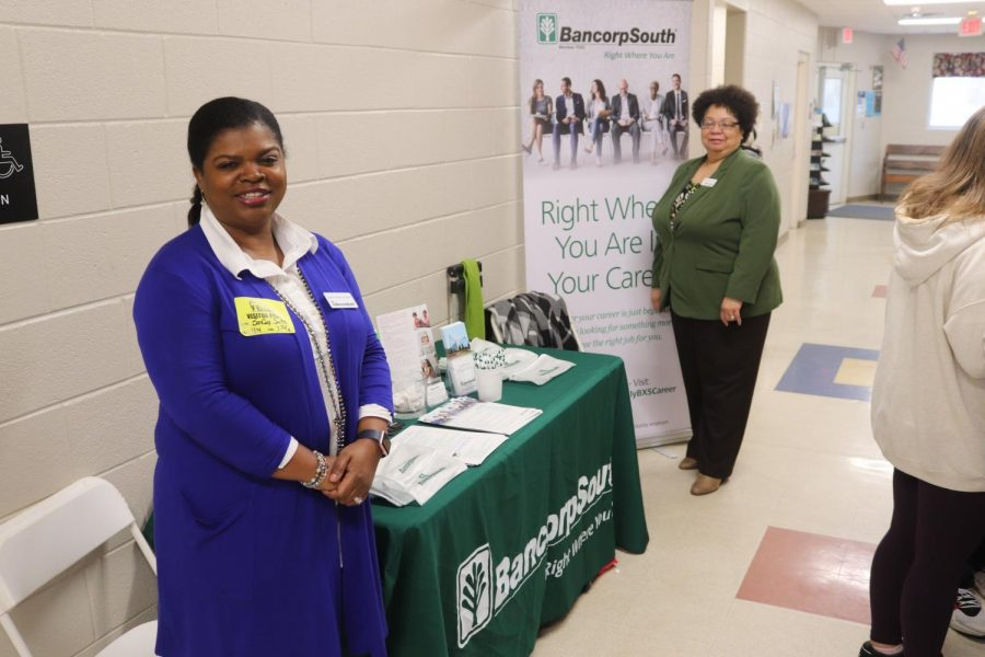 BancorpSouth helps students manage there checking and savings account.